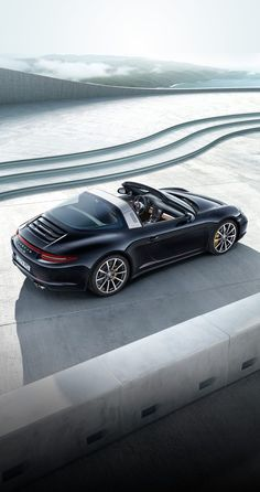 The new roof system of the #911Targa 4 models is based on a complex and extremely robust technical solution that allows the roof to be opened and closed fully automatically in 20 seconds when the vehicle is stationary. Learn more: http://link.porsche.com/targa?pc=9915XPINGA *Combined fuel consumption in accordance with EU 6: 10.0 - 8.7 l/100km; 237 - 204 g/km.