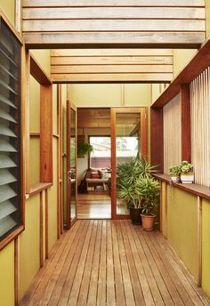 Easy Home Interior Design Tips That Anyone Can Implement – DecorativeAllure Exterior Color Palette, Exterior House Colors, British Colonial Style, French Country Style, Edwardian House, Timber Cladding, Australian Homes, Interior Design Tips, Interior Styling