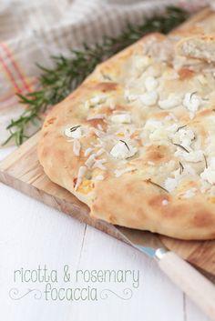 Raquel's Kitchen: Focaccia de Ricotta y Romero