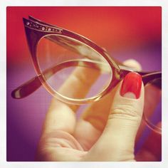 new glasses soon.love the look of retro frames but not sure I can pull it off. original pin: Retro glasses, Cat eye, gradient on frame (and cute half moon manicure) New Glasses, Cat Eye Glasses, Pink Red Lipstick, Vintage Accessories, Jewelry Accessories, Half Moon Manicure, Pin Up Style, My Style, Retro