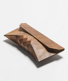 Geometría que le da flexibilidad a la madera.   Ph: Tesler + Mendelovitch
