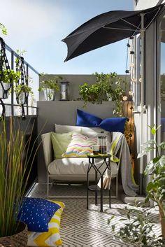 Salons et meubles de balcon: notre shopping malin - Marie Claire Patio Ikea, Ikea Outdoor, Outdoor Seating, Outdoor Spaces, Outdoor Decor, Indoor Outdoor, Outdoor Balcony, Balcony Garden, Outdoor Living