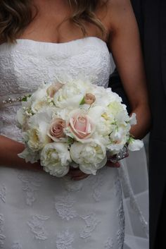 Flower Design Events: Nude & Ivory Wedding Bouquet