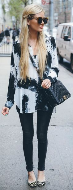 Black And White Outfit Idea by Barefoot Blonde