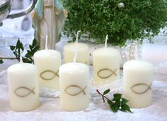 Buy communion decoration cheap & safe at Yatego 12 candles candle communion table decoration confirmation fish gold decoration Diy Crafts To Do, Diy Craft Projects, Decoration Communion, Water Candle, Baptism Candle, Wedding Napkins, Pillar Candles, Christening, Table Decorations