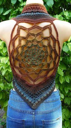 Chaleco mandala de ganchillo marrón-dorado-verde chaleco de | Etsy Crochet Triangle, Crochet Mandala, Freeform Crochet, Crochet Diagram, Crochet Patterns, Flower Mandala, Crochet Coat, Cotton Crochet, Crochet Clothes