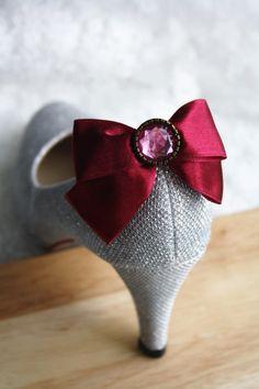 Burgundy Bow shoe clips rhinestone satin ribbon door missvirgouk