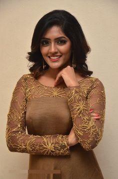 Salwar Neck Designs, Kurta Neck Design, Kurta Designs Women, Dress Neck Designs, Blouse Designs, Indian Designer Outfits, Designer Dresses, Churidhar Designs, Salwar Pattern