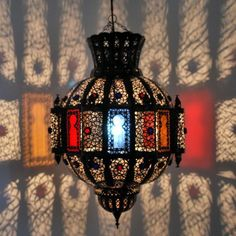 Amazing Edle und majest tische wirkende orientalische Leuchte in traditioneller Handwerkskunst in Marrakesch gefertigt Stilecht wirkt die in feiner Handarbeit