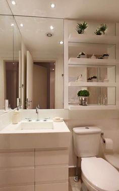 Outra parte banheiro preferido. Colocar armário no espelho. Colocar armários suspensos ao invés de prateleiras. Ps. Prateleiras para banheiro social
