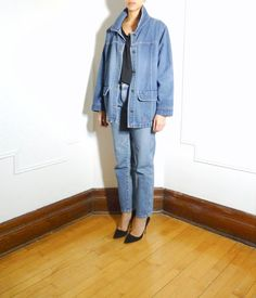 Oversize denim workwear inspired jacket | https://www.etsy.com/listing/217423085/oversized-denim-jacket?ref=shop_home_active_6 #tokenmtl #vintage #vintagefashion #montreal #mtl #workwear #oversize #denim #jean #jacket #coat #layers #canadiantuxedo #iwant #ootd