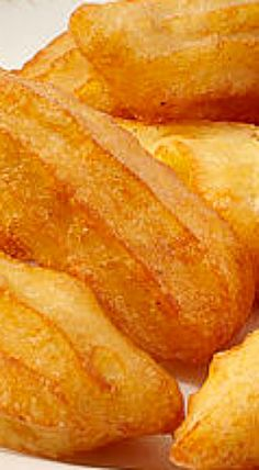 ❊ Pommes de Terre Lorette - An impressive potato dish that you prepare like churros. Simply fill a piping bag with seasoned mashed potatoes and pipe into hot oil. Fry until crispy and golden. ❊