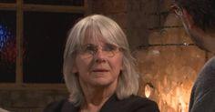 De 'lefzilveren' Joke Van Leeuwen heeft het in haar romans graag over niet ingeloste verwachtingen.  Gelukkig maakt ze het altijd goed met het medicijn humor.