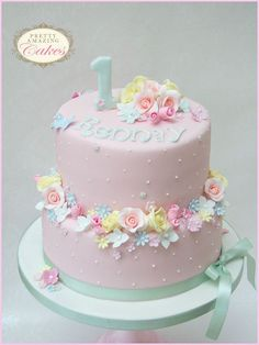 Christening cake makers Bristol: Baby showers, Naming day, Blessings, Holy Communion, baby and children's Birthday Cakes
