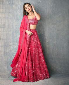 Indian Fashion Dresses, Indian Bridal Outfits, Indian Gowns Dresses, Pakistani Bridal Wear, Dress Indian Style, Indian Designer Outfits, Pakistani Dresses, Indian Lehenga, Bollywood Lehenga