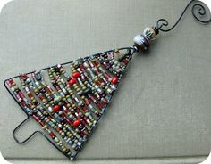 Beaded ornaments - more shapes and instructions at link. From Heather Powers @ humblebeads
