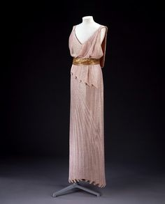 Evening gown, Jean Patou, early 1930's. #1930sfashion