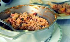 Típico prato Algarvio, nada como um belo arroz de polvo!Polvo bem cozinhado com arroz de tomate, pimentos, cebolas e bom vinho!