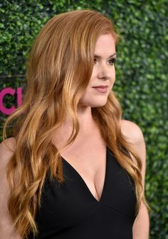 Celebrity moms 472666923386203354 - Isla Fisher Long Wavy Cut – Isla Fisher sported a sweet wavy hairstyle when she attended WCRF's 'An Unforgettable Evening' event. Virtual Hairstyles, Long Bob Hairstyles, Little Girl Hairstyles, Pretty Hairstyles, Isla Fisher, Mom Haircuts, Short Haircuts, Color Rubio, Platinum Blonde Hair