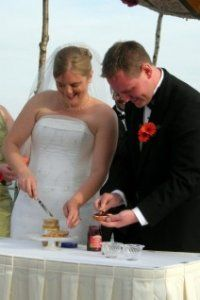 unity candle alternatives nontraditional wedding ceremony ideas  -  checkout the adding soil to a tree sapling that will be planted at their house.