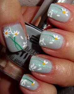 Daisy nails Loves me, loves me not May Nails, Hair And Nails, Trendy Nails, Cute Nails, Nail Polish Style, Manicure E Pedicure, Pedicure Ideas, Flower Nail Art, Gorgeous Nails