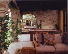 Интерьер веранды в Замковом стиле