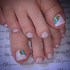 Pedicure Designs Beach Style 65 Ideas For 2019 Pretty Pedicures, Pretty Toe Nails, Cute Toe Nails, Toe Nail Color, Toe Nail Art, Pedicure Designs, Toe Nail Designs, French Nails, Shellac Pedicure