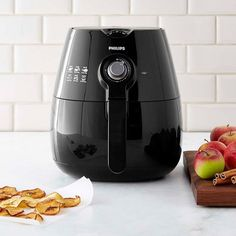 A gadget that fries food in a much healthier way (with little or no oil).