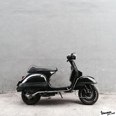 All black Vespa PX 2016 look Lml Vespa, Vespa Vbb, Vespa Lambretta, Vintage Vespa, Moped Scooter, Vespa Scooters, Motor Scooters, Cars And Motorcycles, All Black