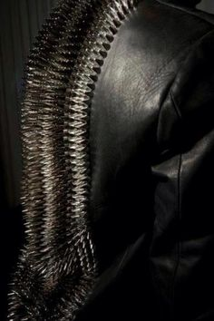 Men's Leather Jackets: How To Choose The One For You. A leather coat is a must for each guy's closet and is likewise an excellent method to express his individual design. Leather jackets never head out of styl Dark Fashion, Leather Fashion, Mens Fashion, Gentleman Fashion, Studs And Spikes, Fashion Details, Fashion Design, Future Fashion, Glam Rock
