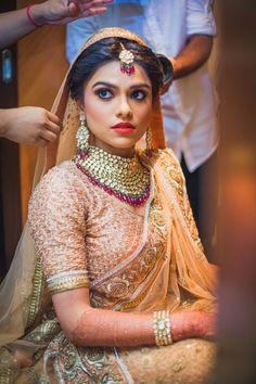 Photography: Anupam Maurya (Desi Bridal Shaadi Indian Pakistani Wedding Mehndi Walima Lehenga / #desibridal #indianbridal #pakistanibridal #indianwedding #pakistaniwedding #desiwedding #wedding #shaadi #lehenga #bridal #mehndi #walima)