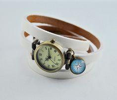 Armbanduhren - Echtleder Wickelarmbanduhr in weiß mit Kompass - ein Designerstück von mias-dekostube bei DaWanda