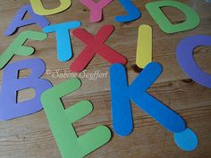 Bunte Buchstaben am Band 3