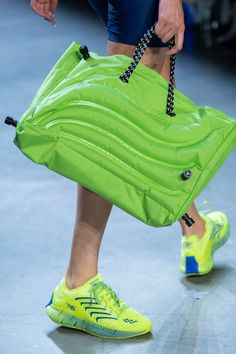 Chromat at New York Fashion Week Spring 2020 - Details Runway Photos 2020 Fashion Trends, Fashion Week, New York Fashion, Fashion Bags, Fashion Accessories, Womens Fashion, Fashion Fashion, Fashion Outfits, Preteen Fashion