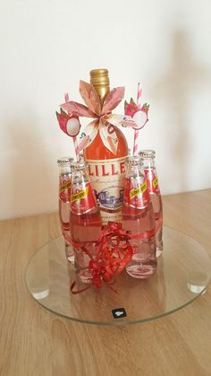 Handmade Birthday Gifts, Birthday Gifts For Best Friend, Birthday Diy, Birthday Presents, Diy Presents, Presents For Friends, Creative Gift Wrapping, Creative Gifts, Liquor Bouquet