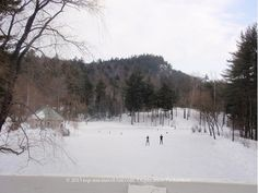 Nestlenook Farms Ice Rink in Jackson, New Hampshire - a great place to plan a snowy winter getaway Winter Camping, Winter Fun, Winter Snow, Great Places, Places To Go, Vermont Winter, Outdoor Ice Skating, 100 Things To Do, Fun Winter Activities