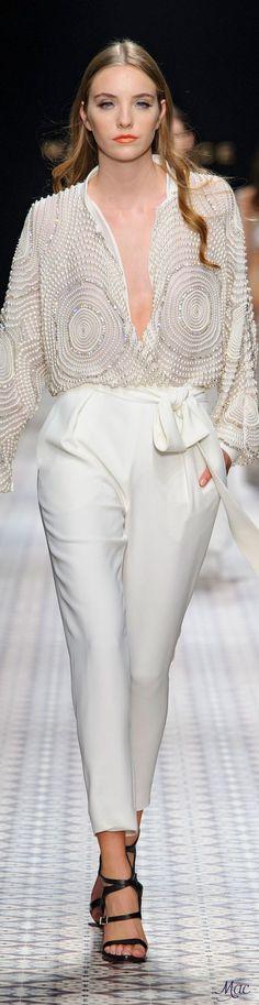 Fashion & Lifestyle | #Highend Haute Couture Herbst Mode Trends Frauen 2017. Luxus Fashion Marken Herbst Kollektionen. Luxuriöse high end fashion kleider. Clicken Sie an der Bild um mehr Mode Inspirationen für Herbst 2017. #pantonefarben #pantonefarbbericht #ifashion design #modetrends #herbst #farben2017 #luxusmode