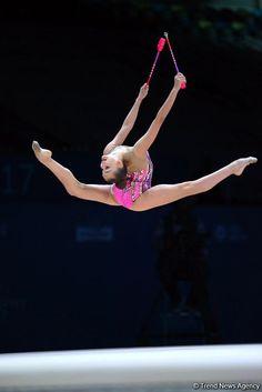 Arina Averina (Russia) won bronze in clubs at World Cup (Baku) 2017