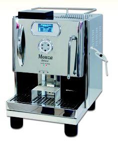 Die Quick Mill Monza gibt es auch mit spezieller Temperatursteuerung in der Version 5010. Hier zu sehen mit dem Unterbau für erhöhtes Arbeiten. Erhältich bei www.CorlitoCaffe.de