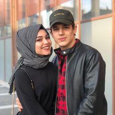 Couples Musulmans, Cute Muslim Couples, Couples Images, Cute Couples Goals, Romantic Couples, Couple Goals, Couple Dps, Muslim Pictures, Love Couple Images