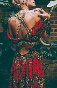 ~Boho chic dress. For the BEST Bohemian fashion trends FOLLOW https://www.pinterest.com/happygolicky/the-best-boho-chic-fashion-bohemian-jewelry-gypsy-/ now