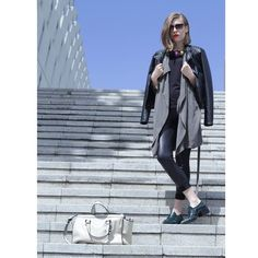 Olive and black mix outfit street style Outfit Of The Day, Duster Coat, Raincoat, Vogue, Street Style, My Style, Jackets, Outfits, Black