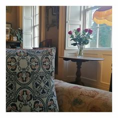 Our jacquard cushion in this lovely country house 💛 Instagram White, Daily Inspiration, Cushions, Country, House, Design, Throw Pillows, Rural Area, Home