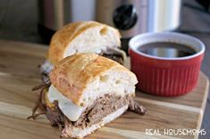 These Slow Cooker Beer French Dip Sandwiches are an easy way to get dinner on the table and they taste better than at a restaurant! Crock Pot Sandwich Recipes, Crock Pot Sandwiches, Wrap Sandwiches, Slow Cooker Recipes, Crockpot Recipes, Yummy Recipes, Tasty Dishes, Dishes Recipes
