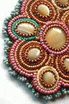 Free Peanut (Farfelle) Seed Bead Patterns  - http://www.guidetobeadwork.com/wp/2013/05/free-peanut-farfelle-seed-bead-patterns/