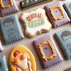#friendstvshowcookies . . . #turkeyheadcookie #framecookies #centralperkcookies #howyourdoin #anakatjanacookies
