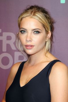 Ashley Benson Fashion Style : Photo