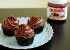 Nutella and chocolate! All in a bite sized cupcake. Psst, she also has an alternative icing of Nutella cloud frosting. Nutella Cupcakes, Nutella Frosting, Buttercream Frosting, Chocolate Cupcakes, Nutella Brownies, Nutella Popsicles, Cloud Frosting, Cake Brownies, Caramel Cupcakes