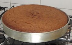 Pão de Ló de Chocolate com Leite Quente
