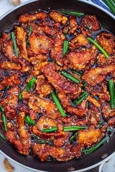 Mongolian Chicken is crispy chicken coated in a flavorful brown sugar sauce! This Chinese-inspired dish is quick and simple to make, but with restaurant-quality taste! Asian Recipes, Healthy Recipes, Ethnic Recipes, Healthy Breakfasts, Turkey Recipes, Dinner Recipes, Mongolian Chicken, Asian Cooking, Healthy Eating Recipes